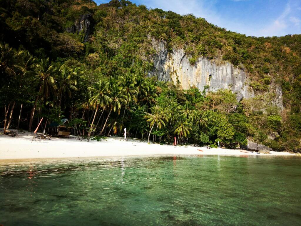 Travel Guide to Palawan